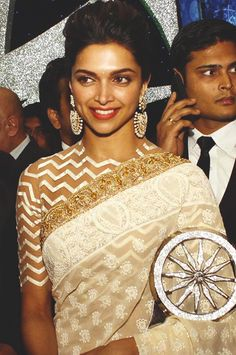 deepika padukone outfit, jewelry and makeup
