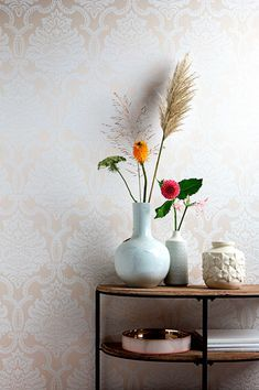 This angelic Baroque wallpaper made of precious warp threads with a foamed pattern structure adds a certain noblesse to imaginative, high-class int. Designer Wallpaper, Things To Come, Pattern, Room, Home Decor, Wall Papers, Mosaics, Paper Envelopes, Eat