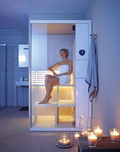 The Inipi B Sauna by Duravit is so super compact that you can install it right in a regular sized bathroom. A lot of the time, we put home saunas in other Saunas, Bathroom Trends, Bathroom Spa, Bathroom Fixtures, Bathroom Ideas, Duravit, Sauna Seca, Portable Steam Sauna, Italia Design