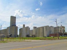 Salina, Kansas is a major economic center for grain collection and distribution. The number of grain elevators is large. Kansas Usa, State Of Kansas, Places To See, Places Ive Been, Salina Kansas, Military Life, New Mexico, Missouri, New York Skyline