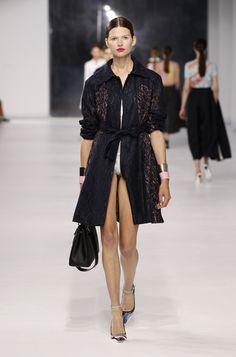 défilé croisière Dior 2014 et ses transparences.