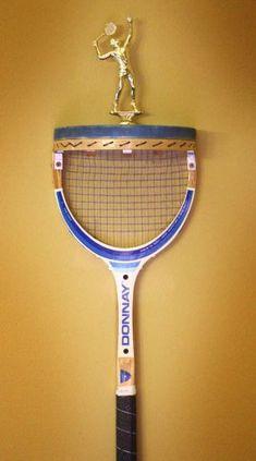 tennis racket display shelf