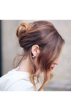 Because the New Yr approaches we needed to point out you beautiful French hair bun kinds to sport for particular occasions! French twist coiffure is essentially the most elegant and stylish seems to b Haircuts For Women, Interview Hairstyles, Bun Hairstyles, 2017 Hairstyle, Medium Hairstyles, Hairdos, Trendy Hairstyles, The Blonde Salad, French Hair