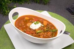 Das Kürbis-Chili ist perfekt für den Herbst und eignet sich perfekt für die Low-Carb-Ernährung. Zudem ist es auch noch glutenfrei.