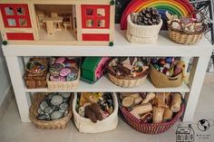 50 Montessori Spaces, create your own at home or in class - Educational Images Playroom Montessori, Waldorf Playroom, Waldorf Montessori, Preschool Rooms, Waldorf Toys, Waldorf Education, Childhood Education, Infant Activities, Activities For Kids