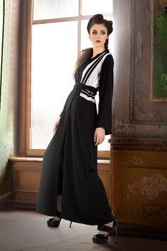 http://www.anazahra.com/fashion/abaya-hijab/photo-134025/عبايات-الأبيض-و-الأسود-من-موزان-آخر-صي