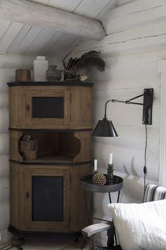 Bilderesultat for simpelt hytte interiør