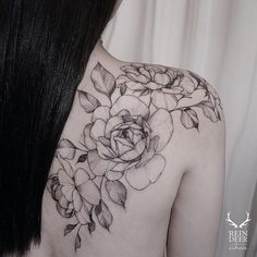Shoulder & back roses tattoo
