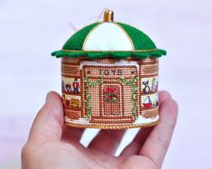 Cross Stitch Christmas Ornament. Christmas por LivingOnTheRainbow