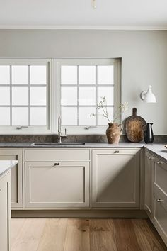 French Home Decor .French Home Decor Nordic Kitchen, Home Decor Kitchen, Home Decor Bedroom, Kitchen Interior, Kitchen Decorations, Interior Livingroom, Barn Kitchen, Neutral Kitchen, Kitchen Layout