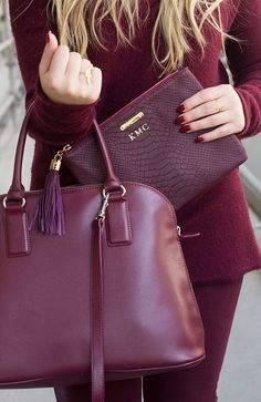 Marsala is versatile which works great with us. Marsala provides an enormous highlight for our different facial parts. Here's how to wear Marsala. Marsala, Fashion Bubbles, Sacs Design, Fashion Bags, Womens Fashion, Latest Fashion, Fashion Trends, Karen Walker, Mode Style