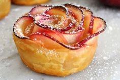 Розочки из слоеного теста с яблоками рецепт с фото