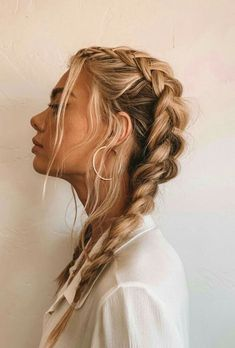 The Best Hair Braid Styles Hey girls! Today we are going to talk about those gorgeous braid styles. I will show you the best and trendy hair braid styles with some video tutorials. Hair Dos, Your Hair, Haircut Styles, Pretty Hairstyles, Hairstyle Ideas, French Braid Hairstyles, Hairstyle Braid, Hairstyle Tutorials, Casual Hairstyles