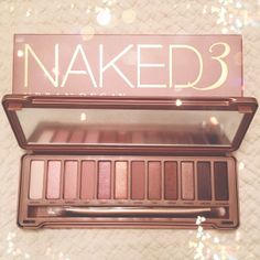 Review: Urban Decay Naked 3 Eye Shadow Palette