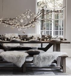 #christmas #hygge #winter #winterdecor #winterdecorating #interior #tablescape #hyggehome #winterinspiration #holidaystyle