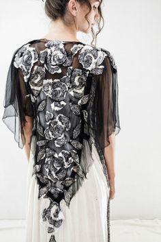 Woocoon является вновь созданным брендом одежды, который основала латвийский дизайнер Байба Ридере (Baiba Redere).