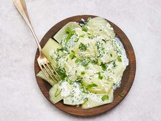 Découvrez la recette Fenouil vapeur à la crème sur cuisineactuelle.fr. Weigth Watchers, Veggie Recipes, Veggie Food, Feta, Side Dishes, Cabbage, Clean Eating, Cheese, Vegetables
