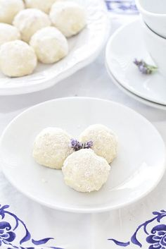 Coconut Lavender Cookie Balls - use 1 drop DoTerra lavender oil instead of the minced lavender Just Desserts, Delicious Desserts, Yummy Food, Biscotti, Shortbread Cake, Cookie Recipes, Dessert Recipes, Bath Recipes, Yummy Recipes