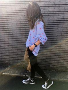 ボリューム袖が可愛い❤️ Instagram...yuko3776 Hipster, My Style, Sneakers, Japanese Style, How To Wear, Instagram, Fashion, Tennis, Moda