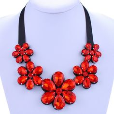 3.9$  Watch now - http://di4p8.justgood.pw/go.php?t=181837001 - Rhinestone Flower Shape Embellished Necklace 3.9$