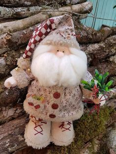 Like the hat detail with the twine bow and bell Christmas Elf Doll, Christmas Fabric, Felt Christmas, All Things Christmas, Christmas 2019, Handmade Christmas, Christmas Crafts, Christmas Decorations, Christmas Ornaments