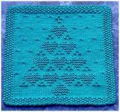Ravelry: All Hearts Come Home For Christmas Dishcloth pattern by Rachel van Schie Knitting Squares, Dishcloth Knitting Patterns, Crochet Dishcloths, Loom Knitting, Knitting Stitches, Knit Patterns, Free Knitting, Knit Crochet, Knitted Washcloths