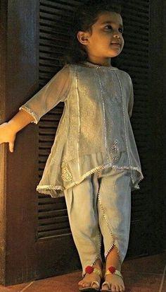 Pakistani kids outfit by Rabia Wahab. Baby Girl Frocks, Frocks For Girls, Kids Frocks, Wedding Dresses For Kids, Dresses Kids Girl, Girl Outfits, Kids Indian Wear, Kids Ethnic Wear, Kids Party Wear