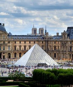 World's Most-Visited Castles - No. 2 The Louvre, Paris Annual Visitors: The largest and most famous museum in the world—displaying masterpieces like La Gioconda (the Mona Lisa) and the Winged Victory of Samothrace—got its start as a palace Places Around The World, The Places Youll Go, Places To See, Around The Worlds, Hotel Des Invalides, Rue Saint Honoré, Saint Chapelle, Jardin Des Tuileries, Famous Castles