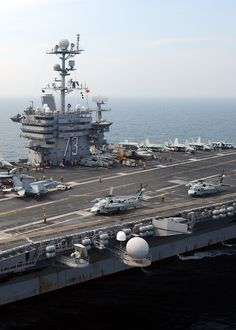 CVN-73 George Washington Go Navy, Navy Mom, Navy Military, Military Life, Capital Ship, Us Navy Ships, Us Sailing, United States Navy, Aircraft Carrier