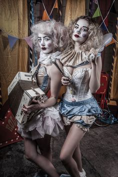 A Very Vintage Circus 5 (by Alistair Campbell) [clown] Halloween Circus, Circus Clown, Halloween Costumes, Circus Hair, Clown Costumes, Fairy Costumes, Carnival Costumes, Adult Halloween, Halloween 2018