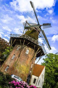 Old windmill in Emden, Germany par Cristian Petri on 500px