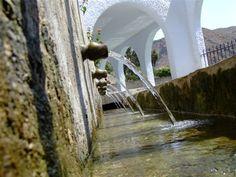 ¡Qué agua más fresquita!. La Fuente de Alboloduy. Alpujarra. Salud. Turismo. Patrimonio. Garden Water Fountains, Water Garden, Bell Tent Camping, Sierra Nevada, Andalucia, Glamping, Wilderness, Waterfall, Bella