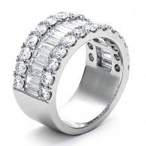 18K White Gold Lady`s ring with 26 Round diamonds/1.89R and 21 Baguette diamonds /1.51B