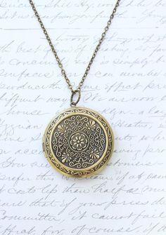 Large Round Locket Necklace Gold Floral Filigree Locket Pendant Vintage Style Picture Locket Romantic Long Necklace Secret Hiding Place