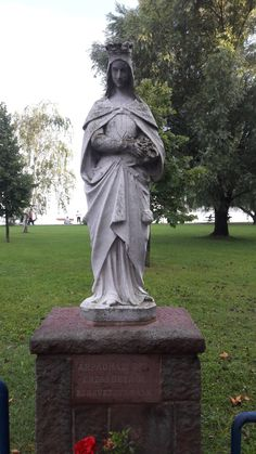Budapest Hungary, Garden Sculpture, Angels, History, Outdoor Decor, Life, Style, Saints, Swag