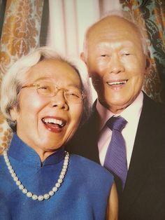 A very nice photo of Mr & Mrs Lee Kuan Yew