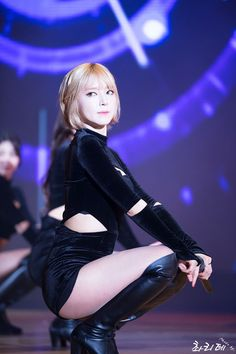 HD kpop pictures and gifs. Kpop Girl Groups, Korean Girl Groups, Kpop Girls, Girl Day, My Girl, Beautiful Asian Girls, Beautiful People, Cho A, Female Poses