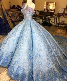 I need the price. Stunning Dresses, Beautiful Gowns, Pretty Dresses, Debut Gowns, Debut Dresses, Quince Dresses, Blue Wedding Dresses, Ball Gown Dresses, Mermaid Prom Dresses