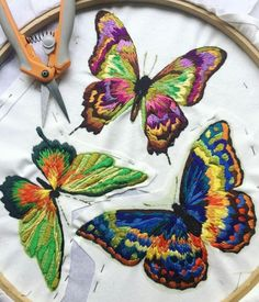 Get tuned into 🍃 Can't get enough of these Ribbon Embroidery Tutorial, Couture Embroidery, Butterfly Embroidery, Embroidery Patterns Free, Silk Ribbon Embroidery, Hand Embroidery Designs, Embroidery Stitches, Machine Embroidery, Embroidery Techniques