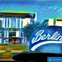 Sehen doch wie Berlin mit fettem Grinsen ins Büro einstolziert sogar bei Angie sind die Mundwinkel oben.  #hahohe