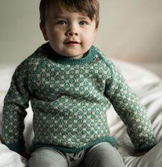 GRATIS OPSKRIFTER Knitting For Kids, Easy Knitting, Baby Barn, Kid Styles, Baby Sweaters, Sweater Cardigan, Knitwear, Knit Crochet, Turtle Neck
