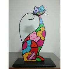 Gatos en técnica britto Cat Crafts, Crafts To Do, Wood Crafts, Mosaic Glass, Fused Glass, Polymer Clay Cat, Painted Rocks, Hand Painted, Clay Cats