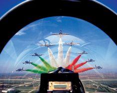 """Le Frecce Tricolori viste dal solista   The """"Frecce Tricolori"""" seen from solo  Amazing <3"""