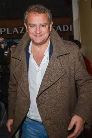 """Downton Abbey - The Earl {Robert Crawley♛Hugh Bonneville} """"I'm not like him at all, other than I'm and drop-dead gorgeous."""" - HB - Page 2 Robert Crawley, Downton Abbey Season 6, Hugh Bonneville, Drop Dead Gorgeous, Mens Fashion, Actors, Bbc, Stage, Lord"""