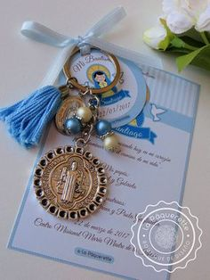 Baptism and First Communion favors - Favor card with religious key-ring - Baby Baptism, Baptism Party, Christening, First Communion Favors, Baptism Favors, Communion Gifts, Baptism Invitations, Baptism Centerpieces, Baptism Decorations