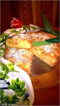 Szybkie rabarbarowo-jabłkowe ciasto waniliowe