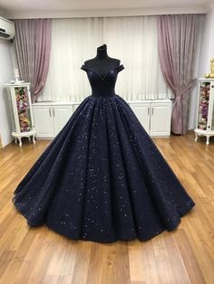 Blue Ball Gowns, Ball Gowns Prom, Ball Gown Dresses, Evening Dresses, Masquerade Ball Gowns, Afternoon Dresses, Flapper Dresses, Pretty Prom Dresses, A Line Prom Dresses