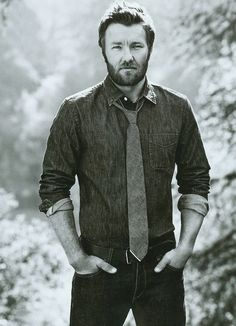 Joel Edgerton - SUPER TALENTED - and naturally - AUSTRALIAN - what is UP with their men????????