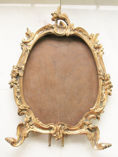 VTG Antique Picture Frame Ornate Victorian Heavy Cast Iron Gold Gilt Oval Footed Picture Frame Ormolu Hollywood Regency Decor by eclecticka on Etsy