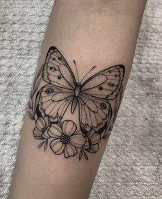 Mini Tattoos, Love Tattoos, Body Art Tattoos, Small Tattoos, Tattoos For Women, Tatoos, Butterfly Tattoos On Arm, Butterfly Tattoo Designs, Model Tattoo